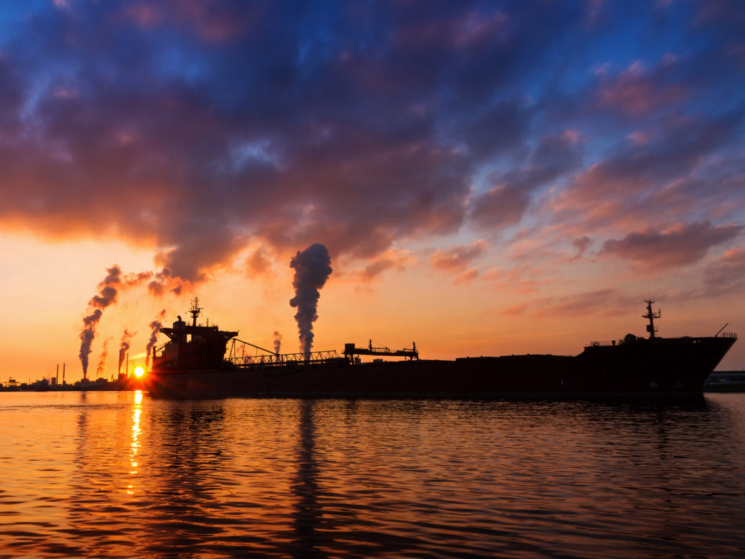 اعتراض کشتیرانی ها به برنامه های کاهش انتشار سوخت اروپا
