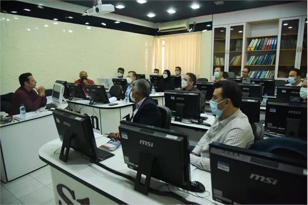 برگزاری دوره آشنایی با قوانین و مقررات اداری در بندرامام خمینی(ره)