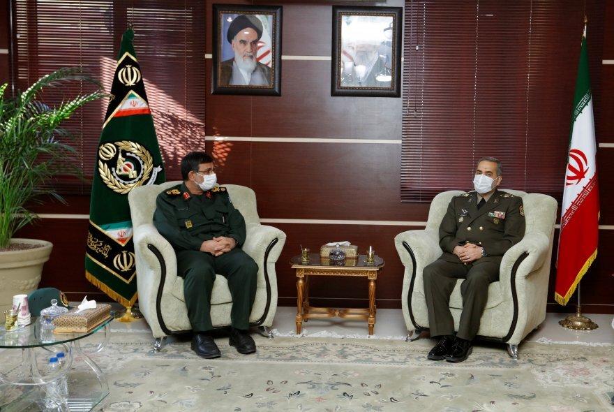 امنیت راهبردی خلیج فارس را مدیون نیروی دریایی ارتش و سپاه هستیم