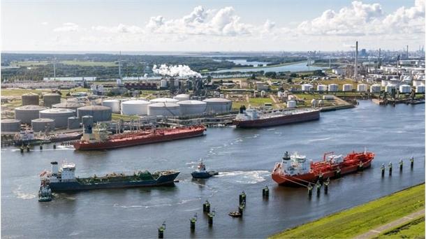 بهره گیری از فناوری هوشمند برای پهلوگیری کشتی ها در بندر روتردام