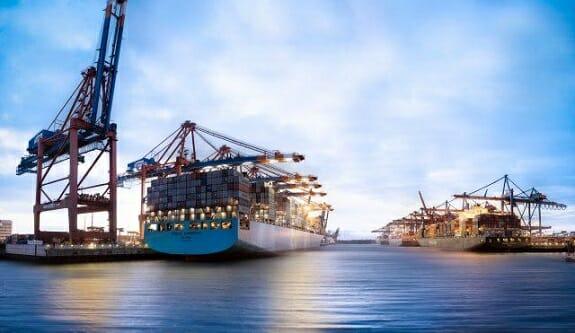 پاناما پرچم خود را از کشتیهای ناقض تحریمها سلب میکند