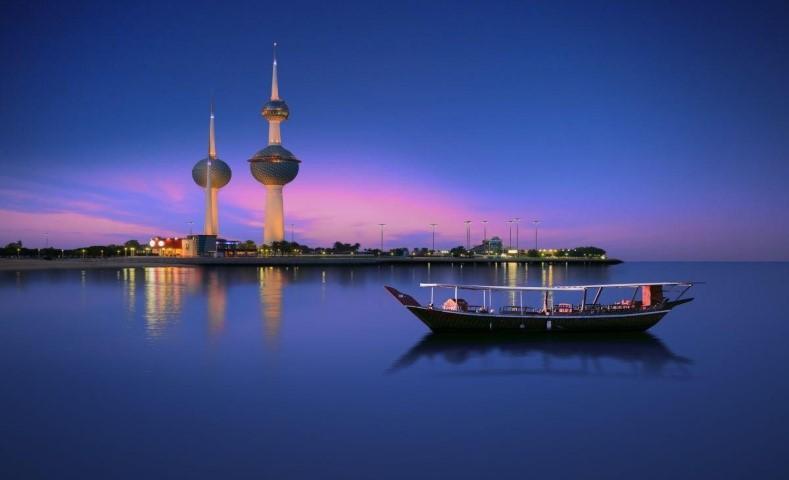 برج سه قلو کویت نماد شهری ساحلی بندری کویت در خلیجفارس