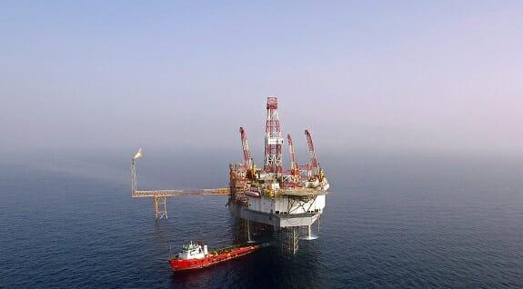فرسودگی سکوهای نفتی از عوامل آلودگی دریاها