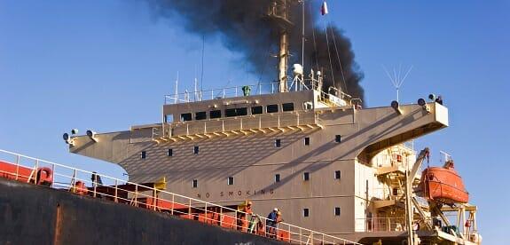 صنعت کشتیرانی همچون سایر صنایع برای طبیعت زیانآور است