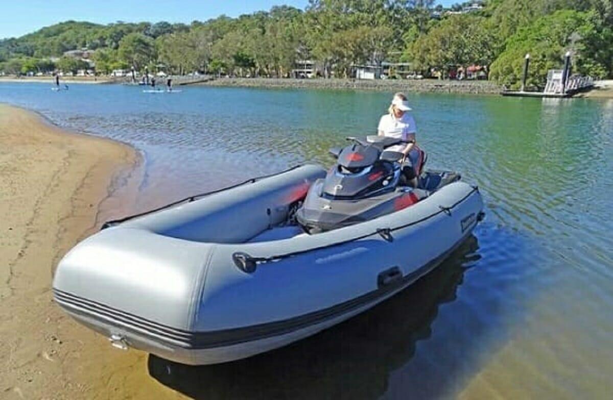 طراحی جت اسکی که تبدیل به قایق بادی میشود