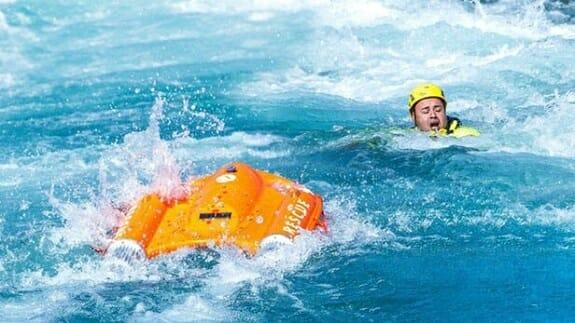 ابداع قایق نجاتی که از راه دور هدایت میشود+فیلم