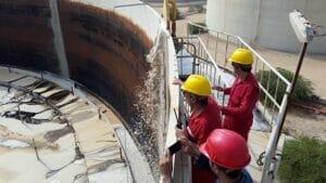سیستم فومدوزینگ مخازن دهگانه نفت در منطقه عملیاتی خارگ