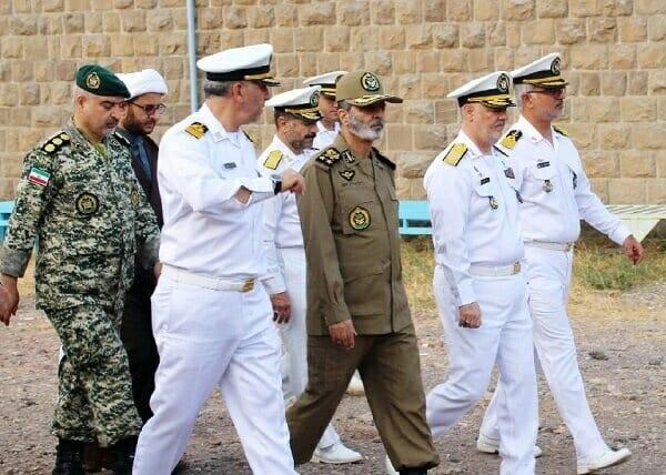 بازدید فرمانده کل ارتش از یگانهای دریایی ارتش در منجیل