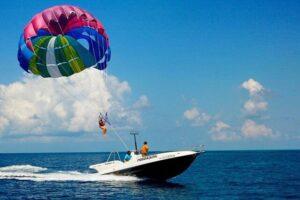 باند پروازی ورزش های تفریحی دریایی هوایی و سافاری در قشم