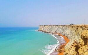سواحل صخره ای و مرتفع بریس چابهار ثبت ملی