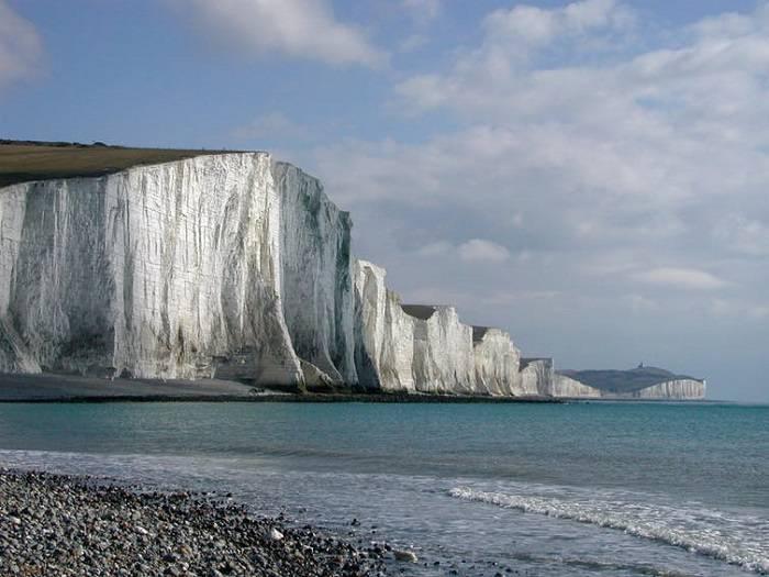 صخرههای سفید گچی سواحل انگلیس میلیونها سال پلانکتون را در خود جای دادهاند