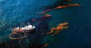 ضرورت جبران خسارت زیست محیطی آلودگی های نفتی در خلیجفارس