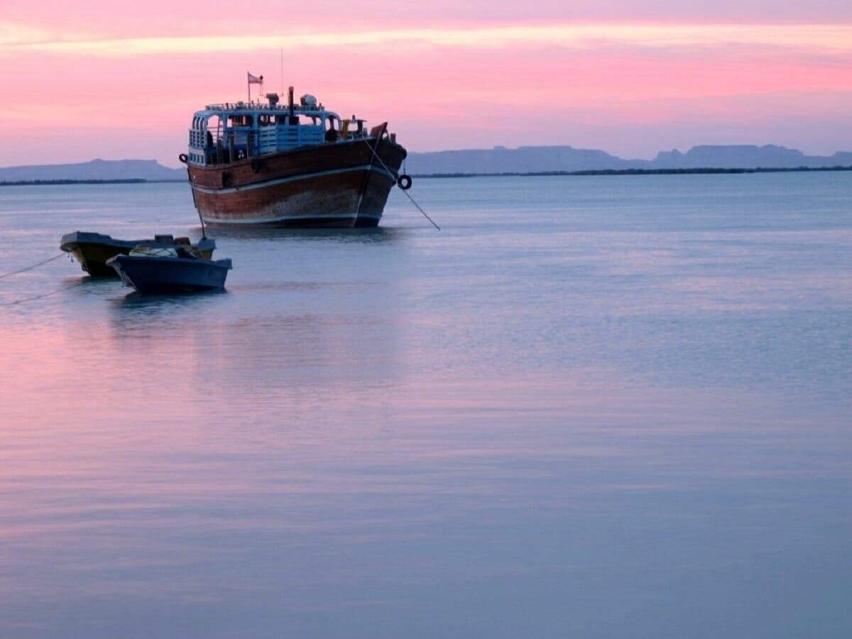 ۷۰ فروند لنج در سواحل مکران صید با قلاب انجام میدهند