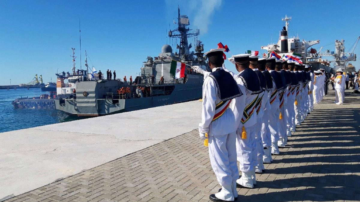 مانور مشترک دریایی ایران و روسیه در دریای عمان و اقیانوس هند