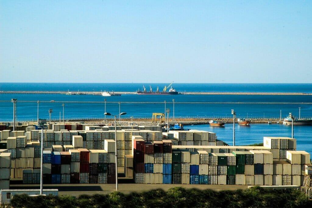 منقطه آزاد تجاری و بندر چابهار در سواحل مکران