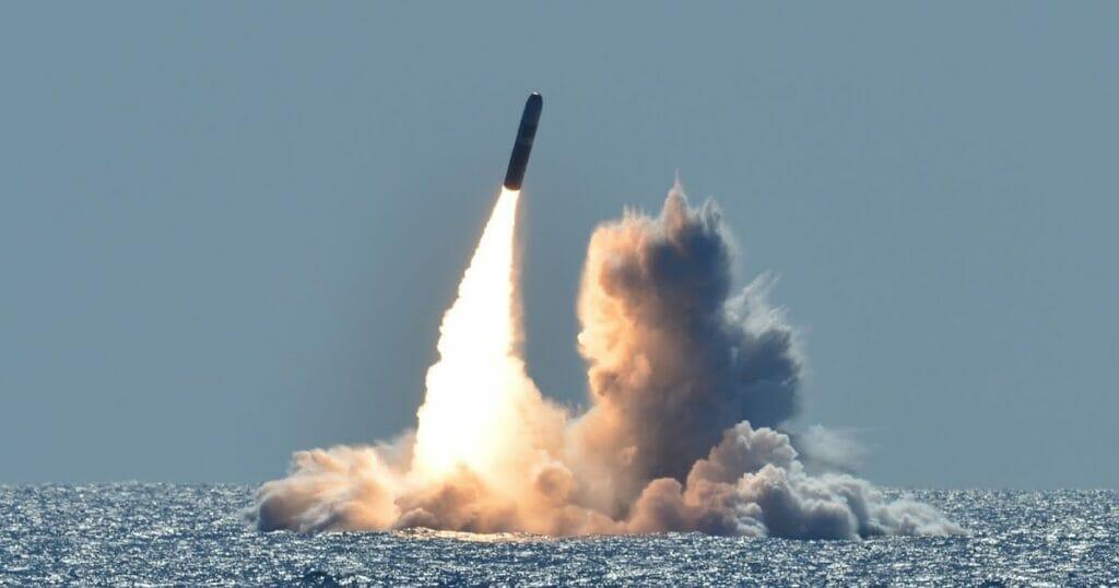 موشک اتمی نظامی نیروی دریایی آمریکا