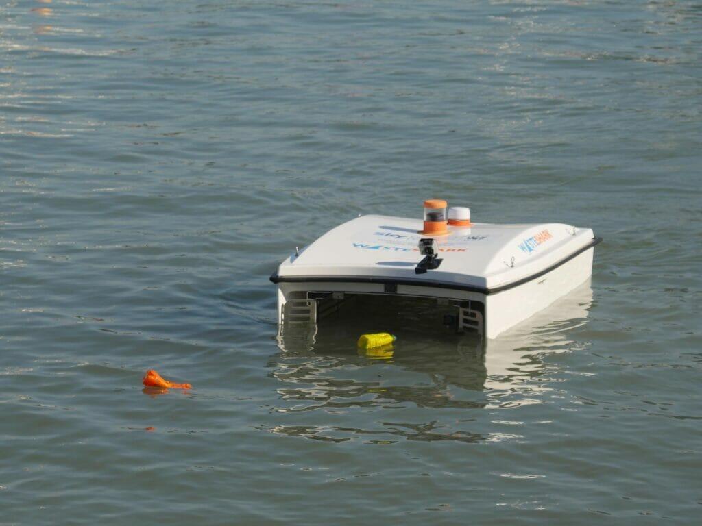 robot shark wasteshark - ربات زبالهخوار دریا و اقیانوس