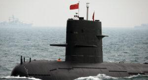 زیردریایی مرموز چینی با ویژگی عدم محل مستقر در بالای بدنه زیر دریایی و وجود باله در آن