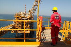 کارکنان سکوی نفتی مدرن سروش-شرکت نفت فلات قاره