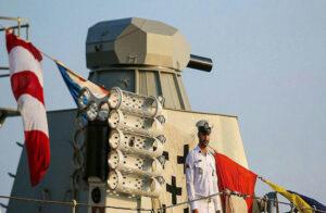 ناوشکن تریماران سفینه در قالب پروژه نگین نیروی دریایی ایران
