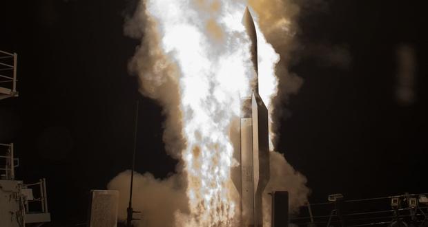 دو سلاح جدید که از ناوهای جنگی آمریکا در نبردهای دریایی امروز محافظت میکنند