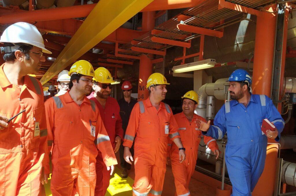 پایانه شناور کوروش پیشتاز پیادهسازی سیستم مدیریت یکپارچه داراییهای فیزیکی در صنعت نفت