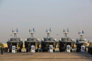 تحویلدهی 10ها فروند شناور تندروی هجومی و رزمی به نیروی دریایی سپاه