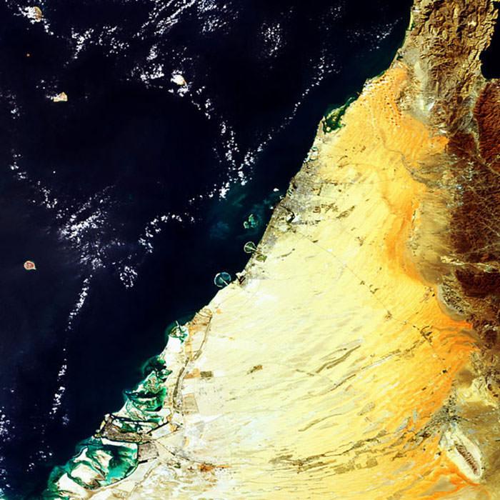 تصویر فضایی ساحل دبی