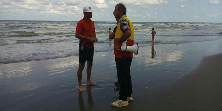 حشمت شکری ناجی غریقی که ۴۵ سال کنار دریا