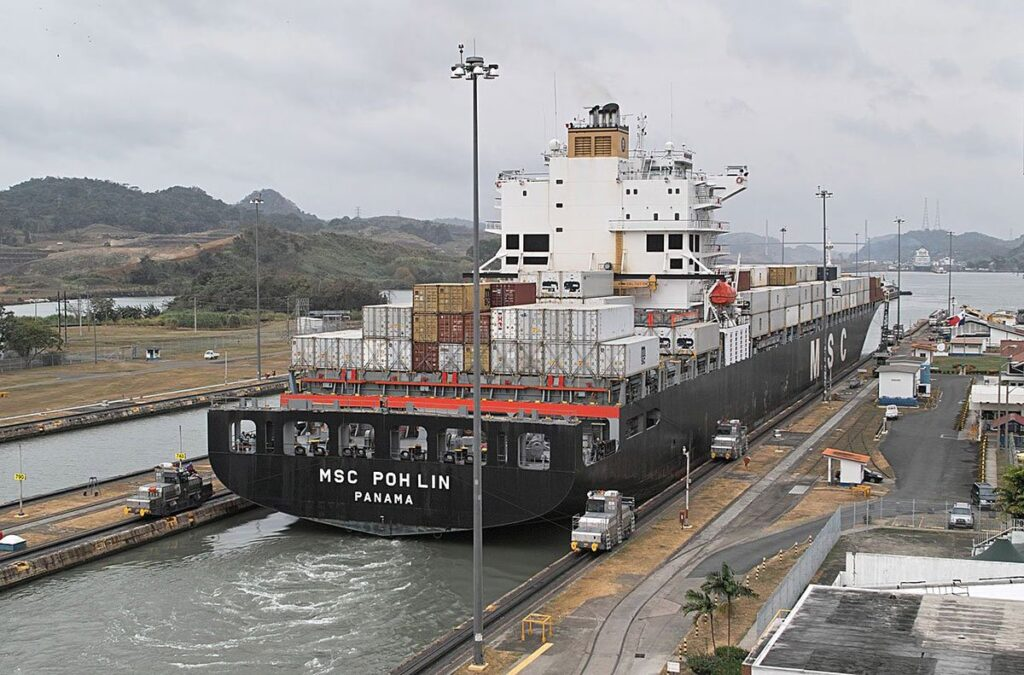 سد سلولی کانال پاناما در کشتی عظیم Panamax