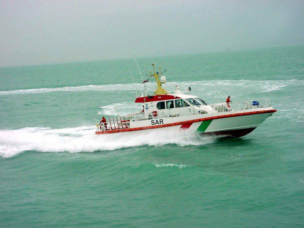 عملیات امداد و نجات دریایی توسط شناور sar