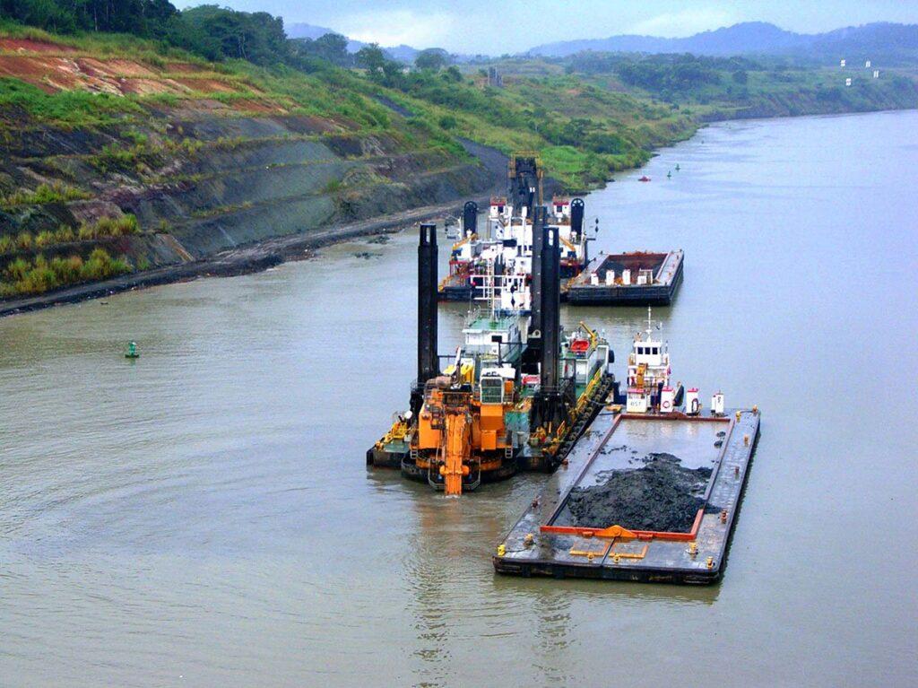 لايروبي کانال پاناما