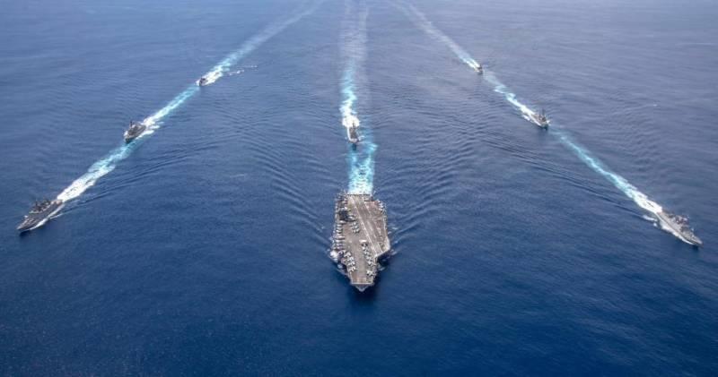 مانور مشترک دریایی هند و آمریکا در اقیانوس هند+فیلم
