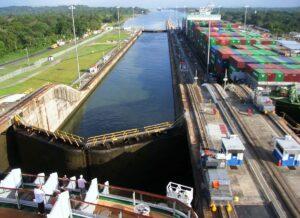 نمای بالا سد سلولی کانال پاناما