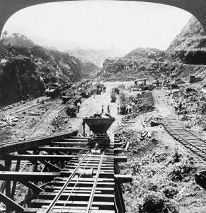نمای تونلی از ساخت کانال پاناما