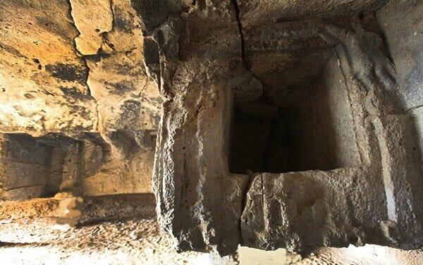 آثار تاریخی جزیره خارک