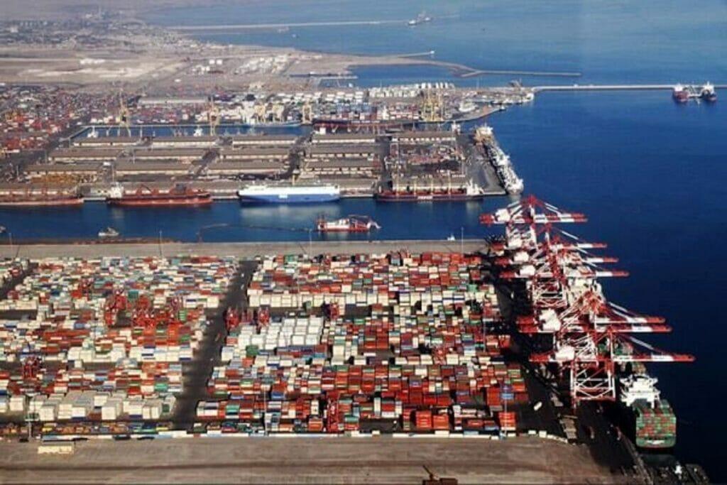 بندر شهید رجایی نبض تپنده تجارت دریایی ایران