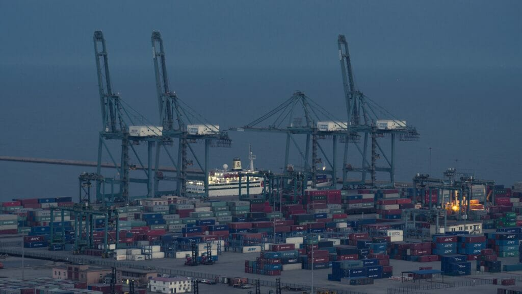 بندر شینهواندو چین - Qinhuangdao Port