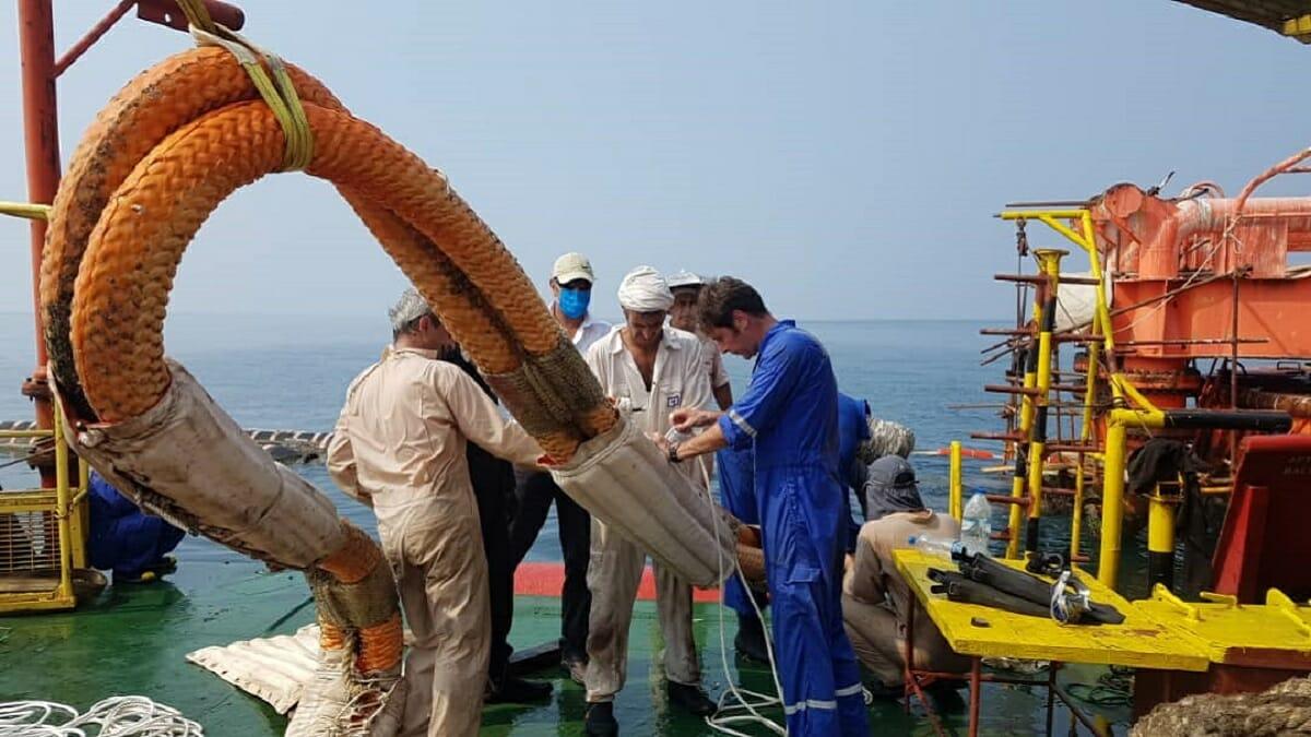 تعویض فلوترهای هاوزر ترمینال نفتی SBM منطقه لاوان