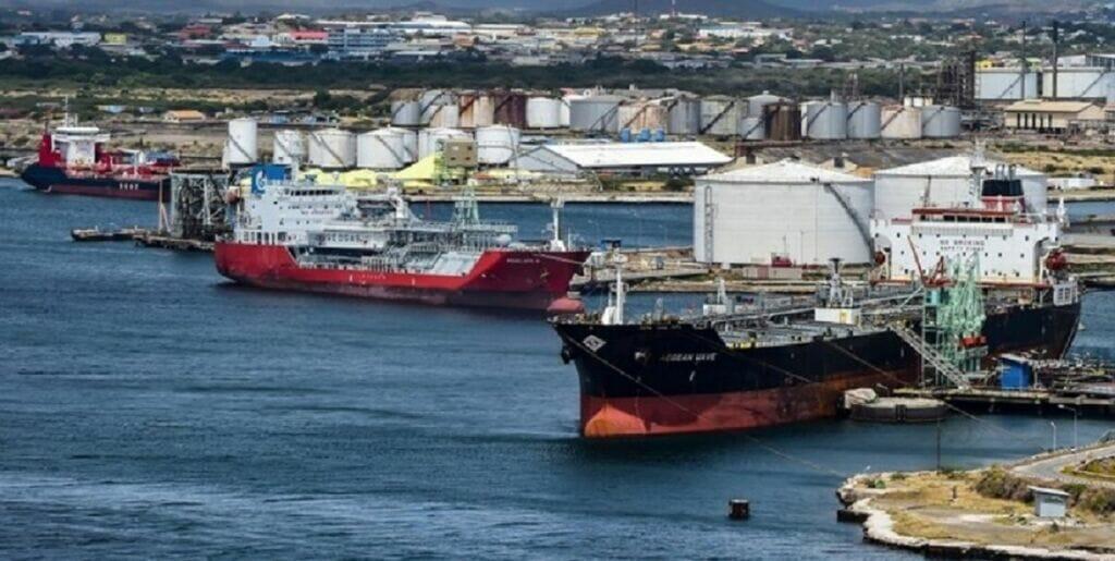 توقیف کشتی ایرانی در بندر کراچی پاکستان