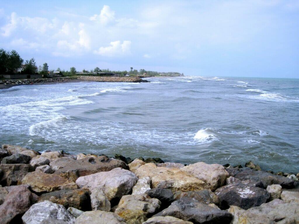 دریای کاسپین در بندر فریدونکنار