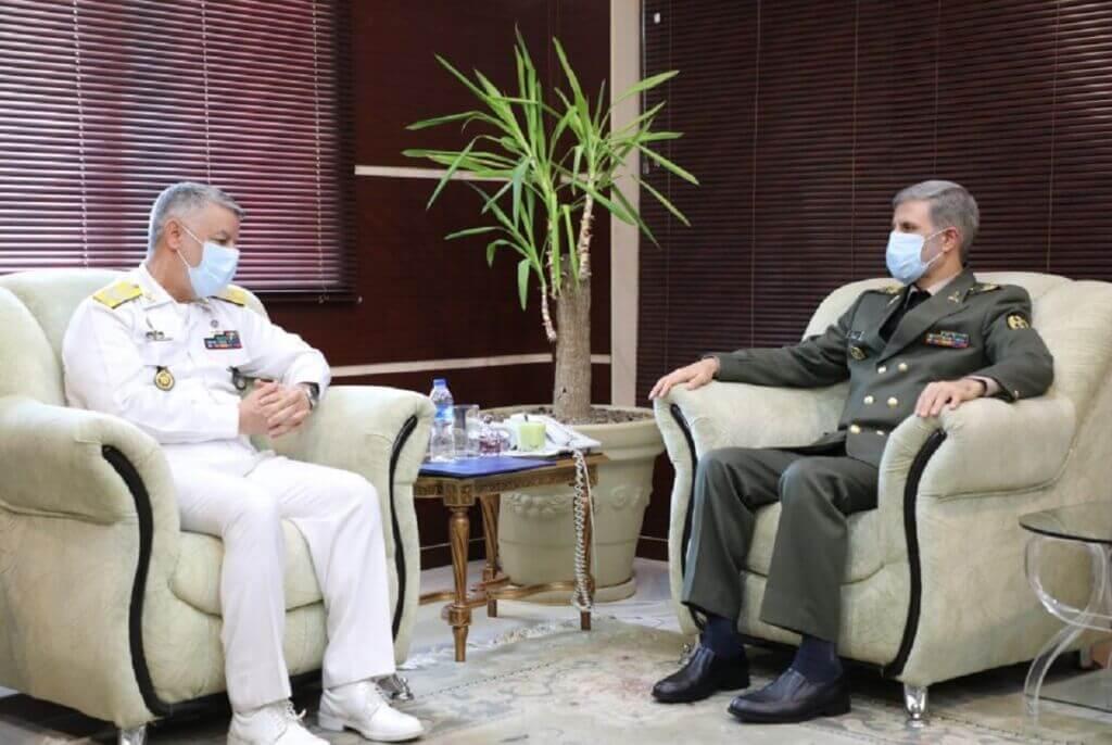 دیدار فرمانده نیروی دریایی ارتش با وزیر دفاع