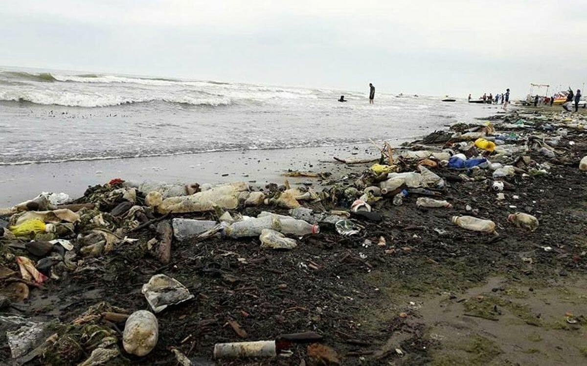 زباله در سواحل دریای کاسپین