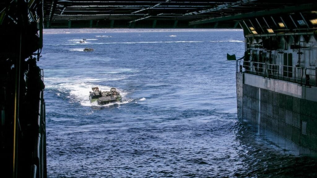 زرهپوش خاکی-آبی نیروی دریایی آمریکا