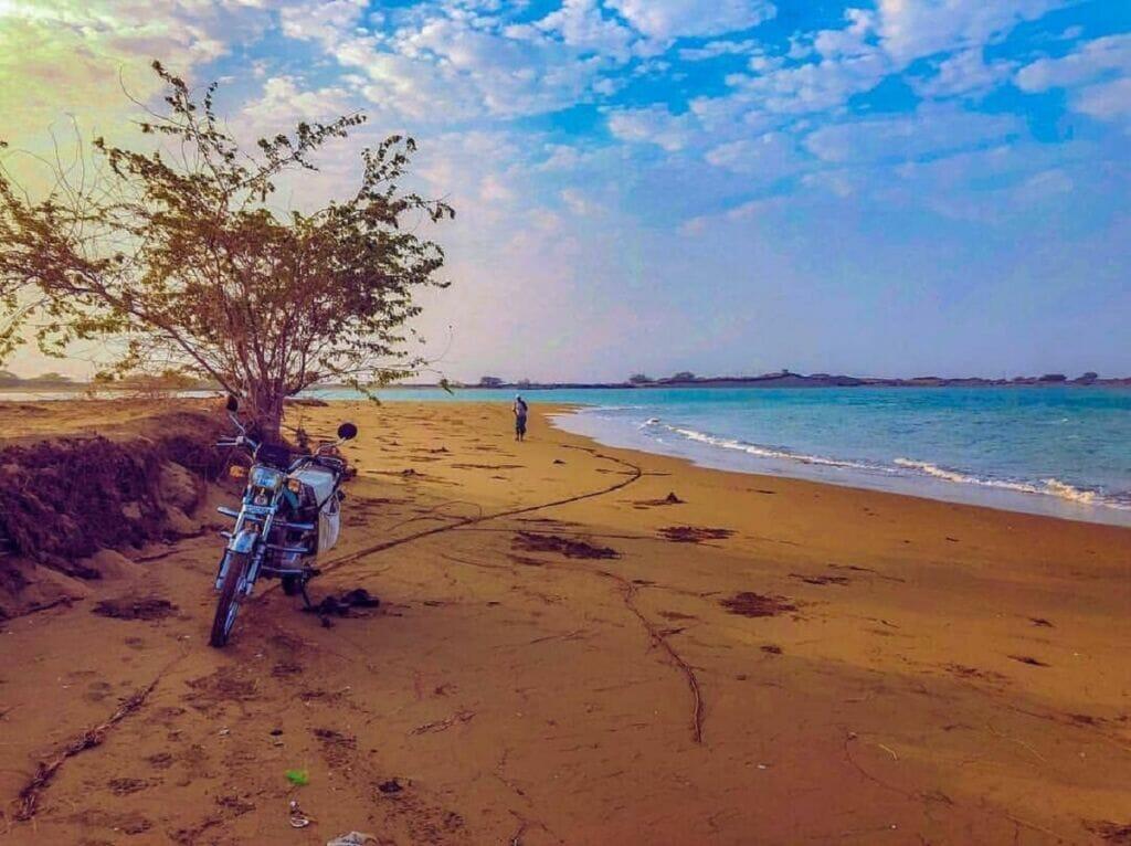 ساحل بندر سیریک