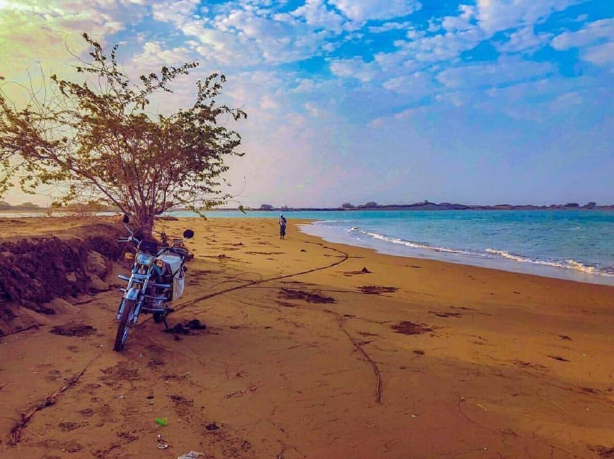 ایجاد منطقه آزاد گردشگری بندر سیریک نقش سازنده ای در توسعه سواحل دارد