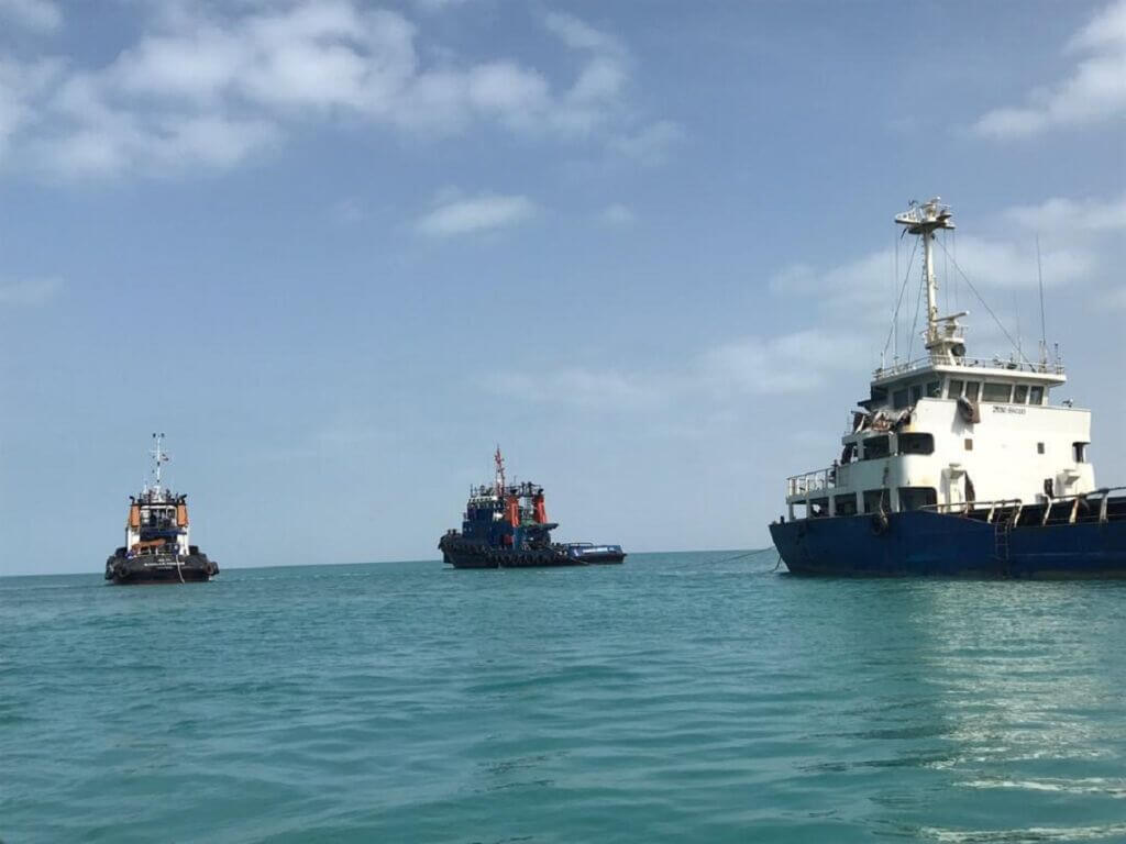 عملیات سالویج و نجات شناور ایلیا 12 در آبهای چابهار
