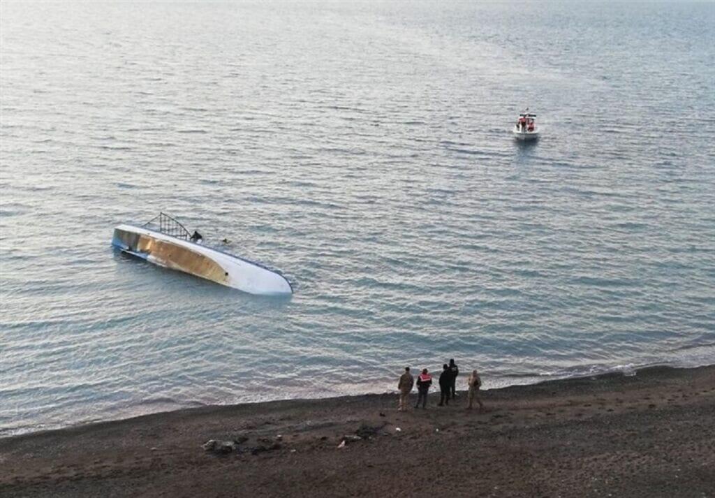 قایق پناهندگان در مرزهای دریایی انگلیس