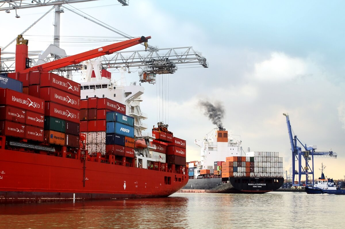کشتیهای کانتینری پیشرو در نصب اسکرابر