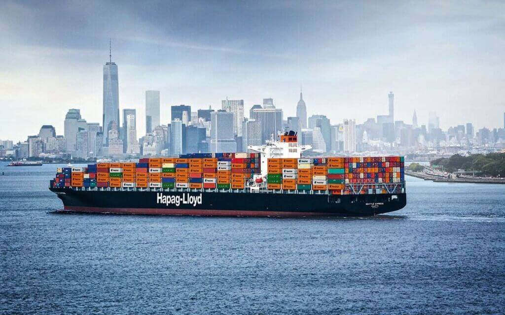 کشتی کانتینربر خط کشتیرانی هاپاگ لوید آلمان